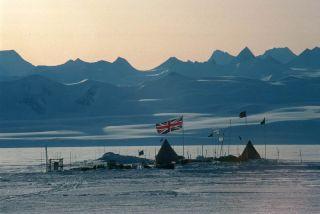 lake ellsworth, drilling antarctic lakes, subglacial lakes, lakes in antarctica, antarctic lakes, lake vostok, antarctic life, extreme life, earth, environment, British Antarctic Survey projects