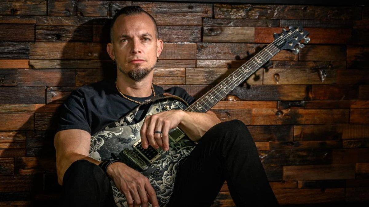 Tremonti launch compelling Now And Forever single