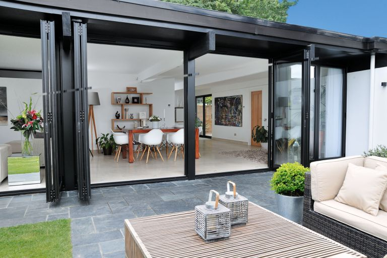 A contemporary update for a dated bungalow | Real Homes