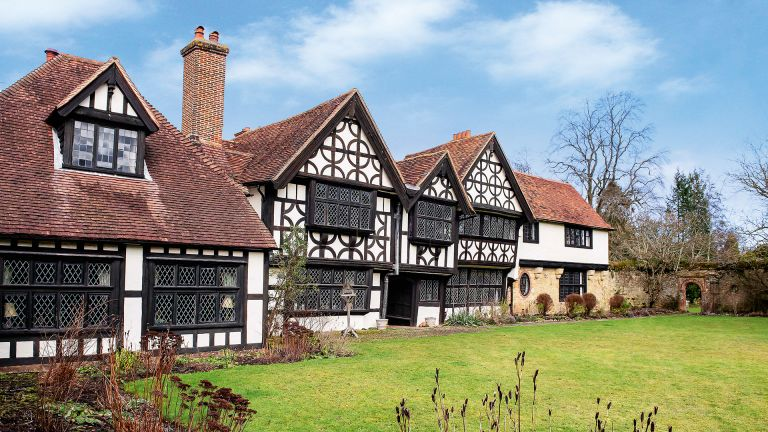 timbered Elizabethan manor house exterior