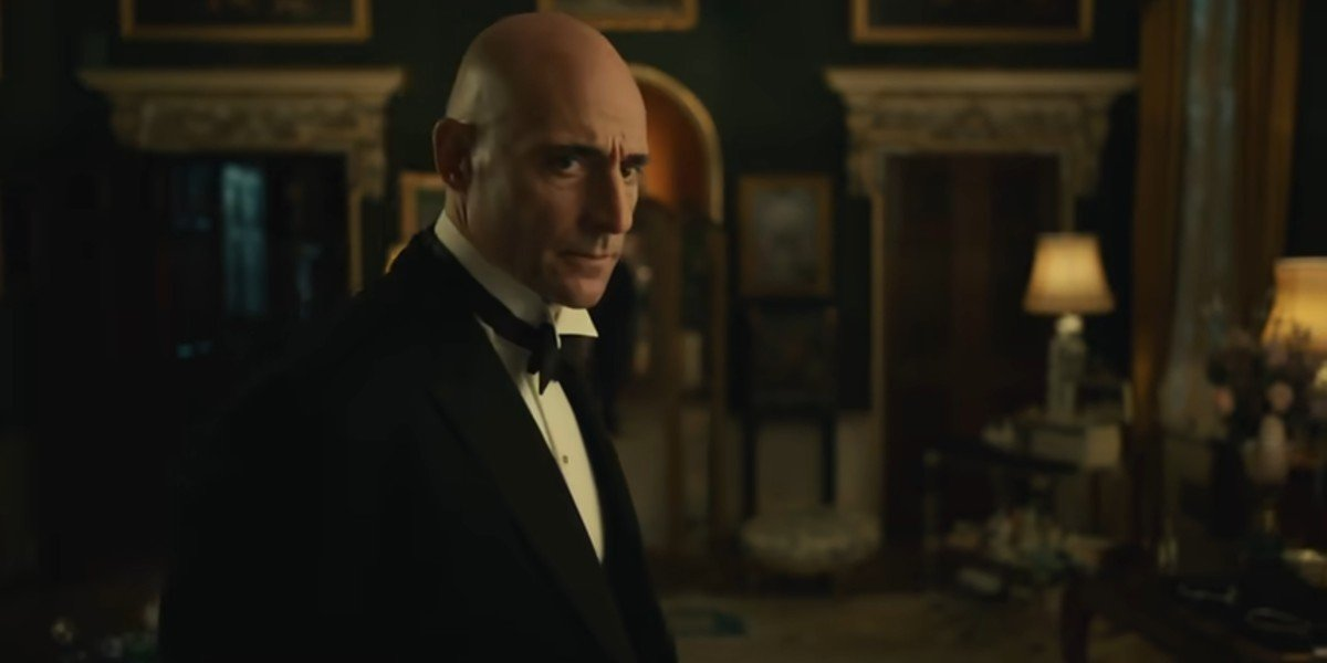 Mark strong looking ominous in the Cruella trailer
