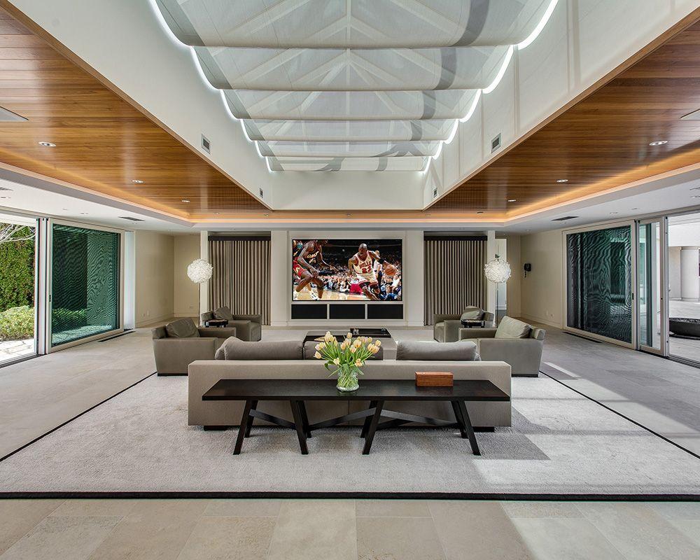 See inside Michael Jordan's impressive seven-acre estate in Chicago