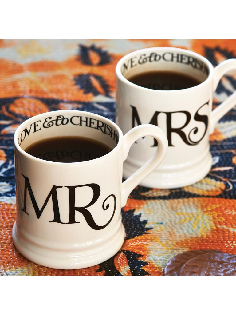 Wedding gift ideas: Mr & Mrs Mugs