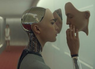 Ex Machina - Alicia Vikander as stunning android Ava
