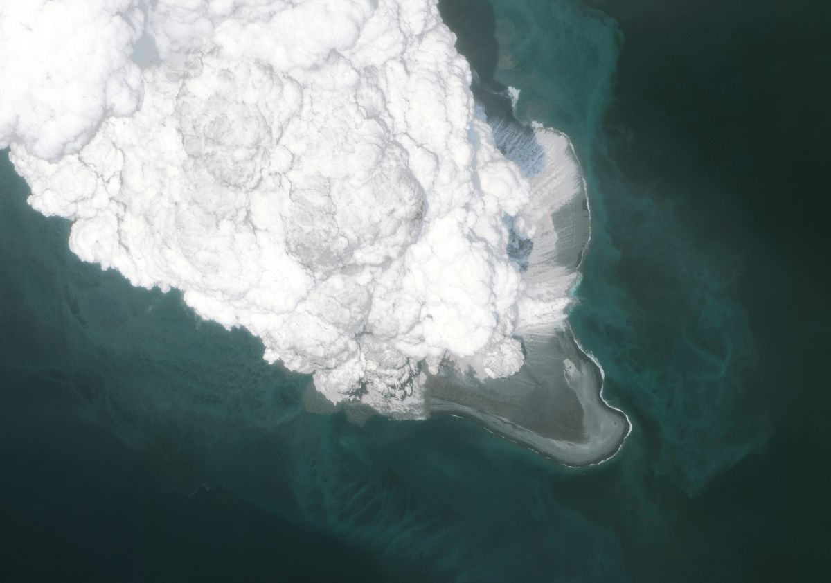 Underwater Volcano Creates Bubbles More Than a Quarter-Mile Across