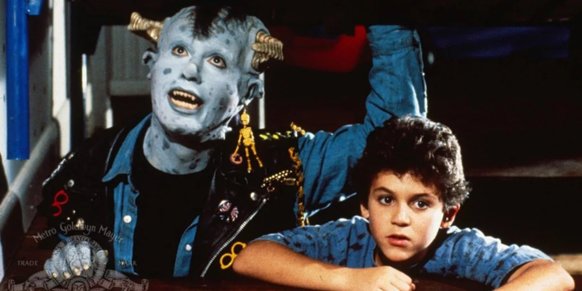 Howie Mandel and Fred Savage in Little Monsters