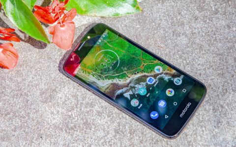 Moto E5 Play - Full Review and Benchmarks | Tom's Guide