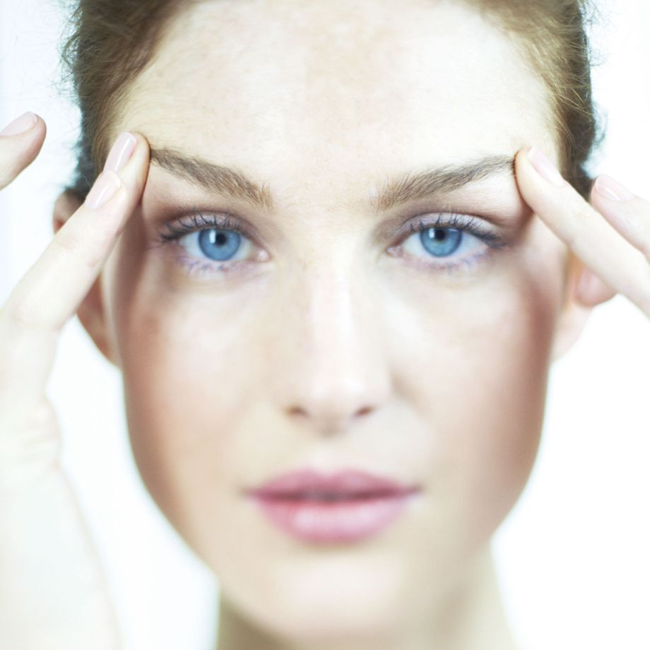 facial massage tips-woman and home-beauty