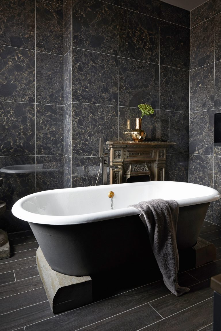 the best bathroom showrooms in the uk for bathroom inspiration. Black Bedroom Furniture Sets. Home Design Ideas