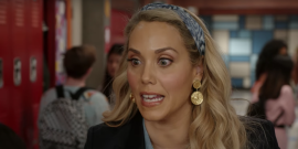 Saved By The Bell's Elizabeth Berkley Talks Paying Homage To 'I'm So Excited' Moment In Revival Show