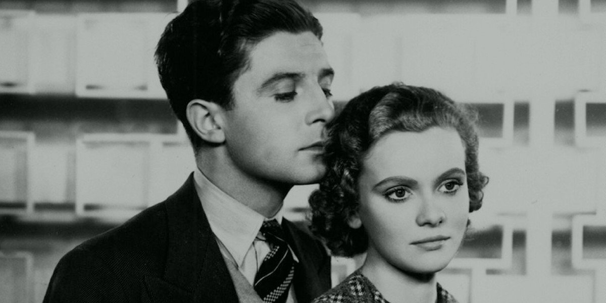 Derrick De Marney and Nova Pilbeam in Alfred Hitchcock's Young and Innocent