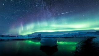 Reflections of Aurorae and Meteorites © Angel Yu