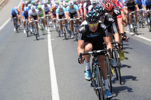 Sutton and Sky chase, Tour Down Under 2012, stage 5