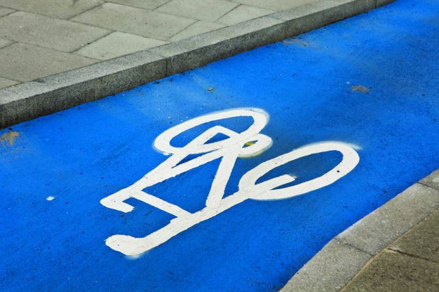 cycling_commuting_4364182