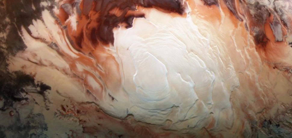 Mars may have dozens of lakes beneath its south pole