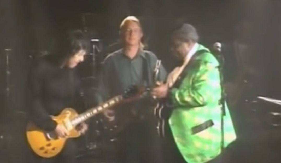 """Watch Gary Moore and B.B. King Play """"The Thrill Is Gone"""" in 1992"""