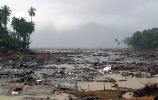 2004 Indian Ocean tsunami: Facts, FAQs, and how to help ... |Indian Ocean Earthquake And Tsunami