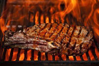 steak on a flame