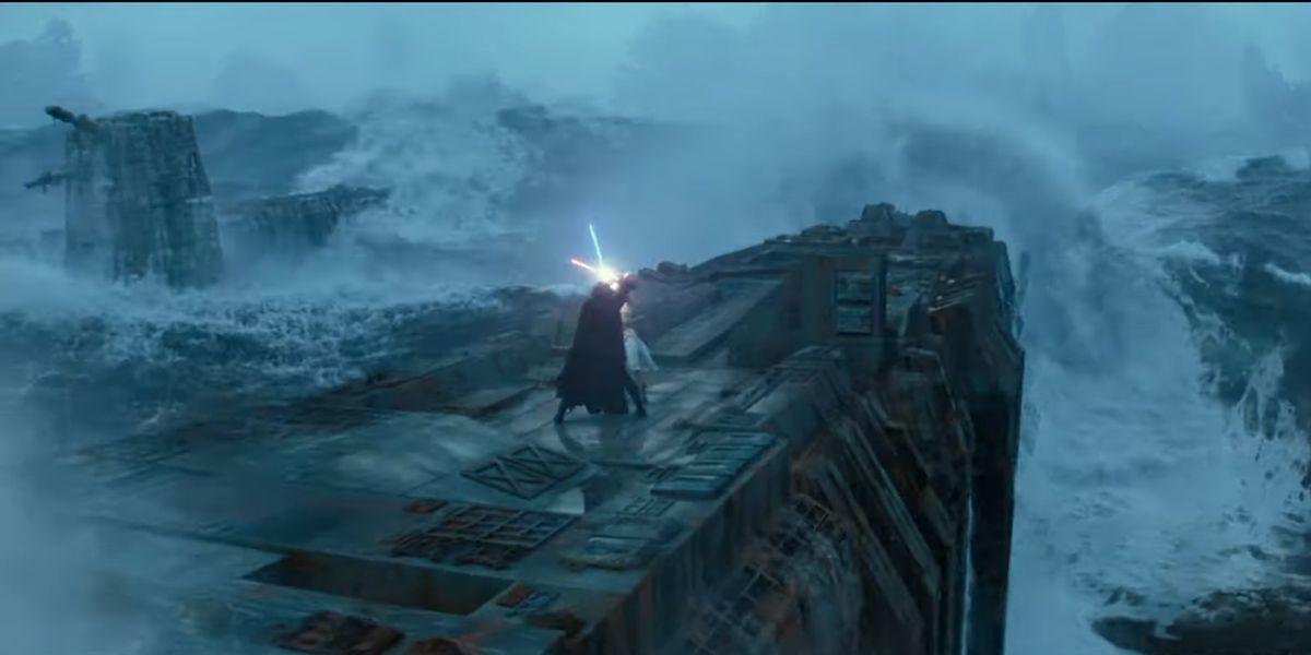 Rey and Kylo Ren battling