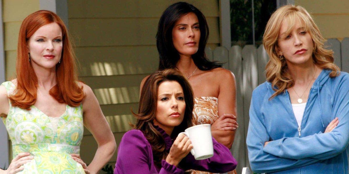 Marcia Cross, Eva Longoria, Teri Hatcher, and Felicity Huffman in Desperate Housewives