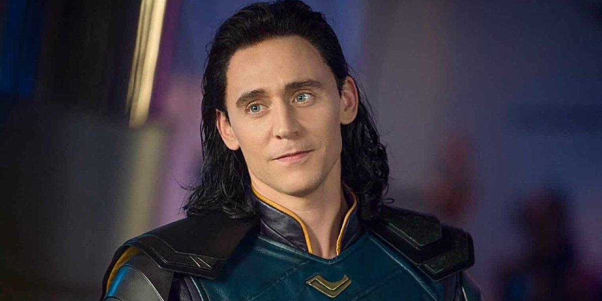 Tom Hiddleston looks on as Loki in Thor: Ragnarok (2017)