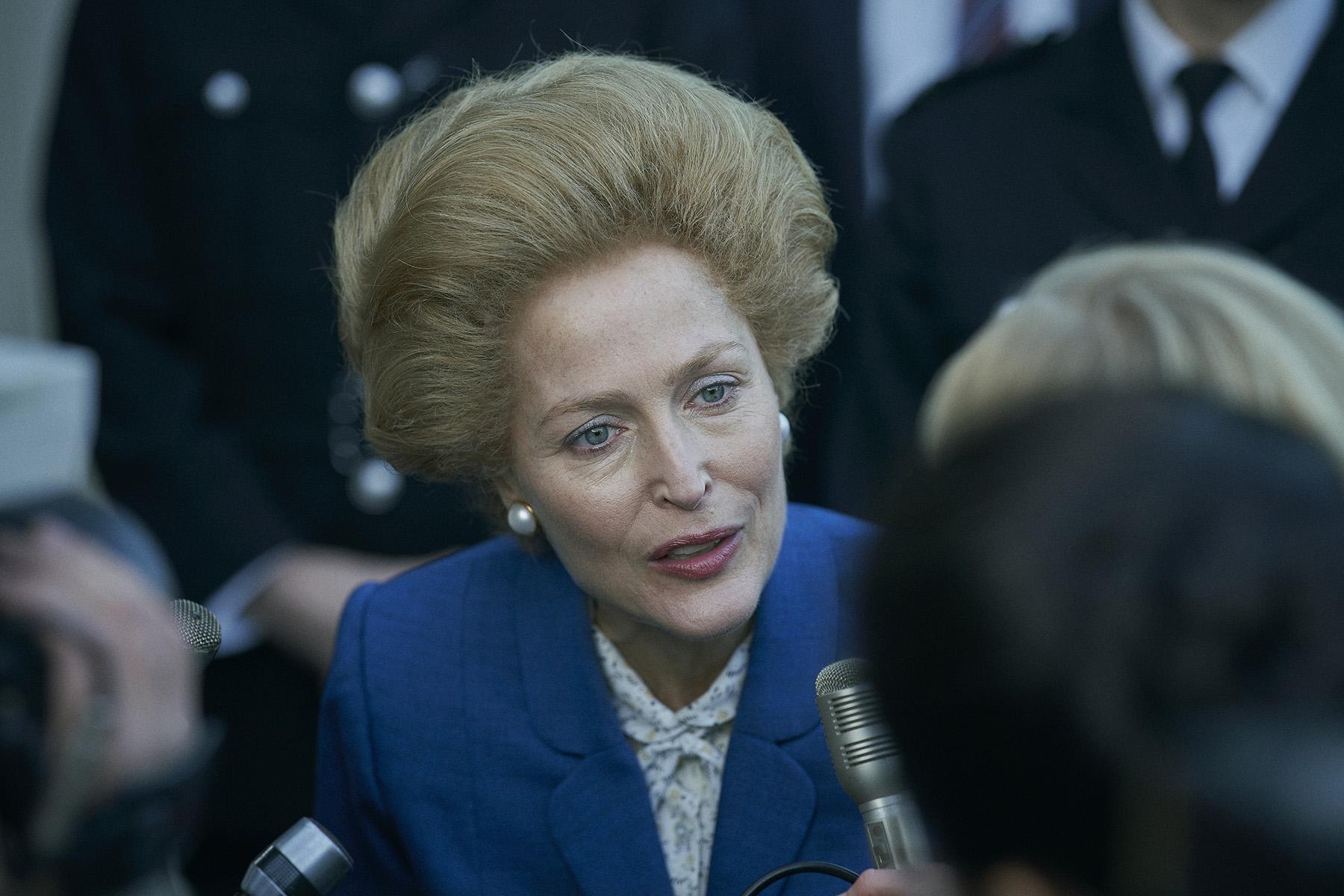 'Robin Robin', voz de Gillian Anderson como la Primera Ministra Margaret Thatcher en The Crown.