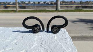 Best cheap noise-cancelling headphones