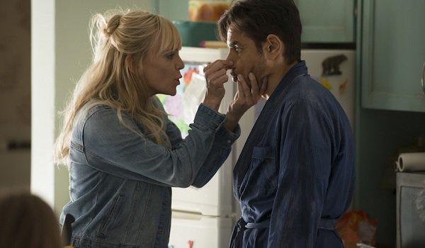 Overboard Anna Faris Eugenio Derbez Kate pinches Leonardo's nose