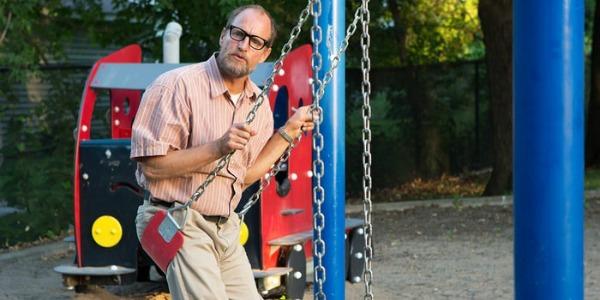 Woody Harrelson on a swing