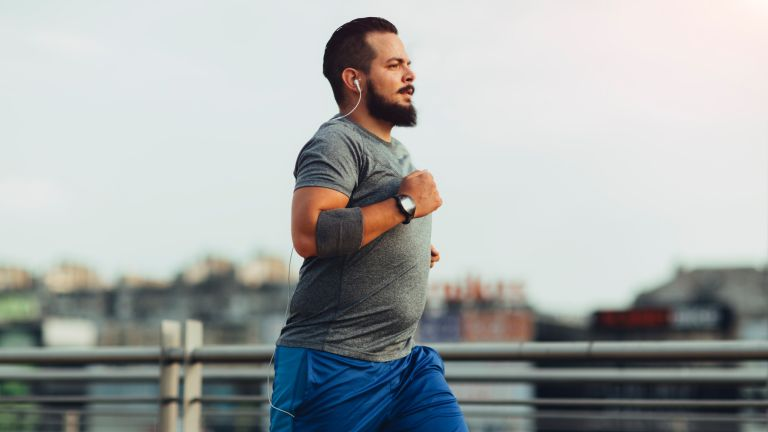 Man on a run to lose belly fat