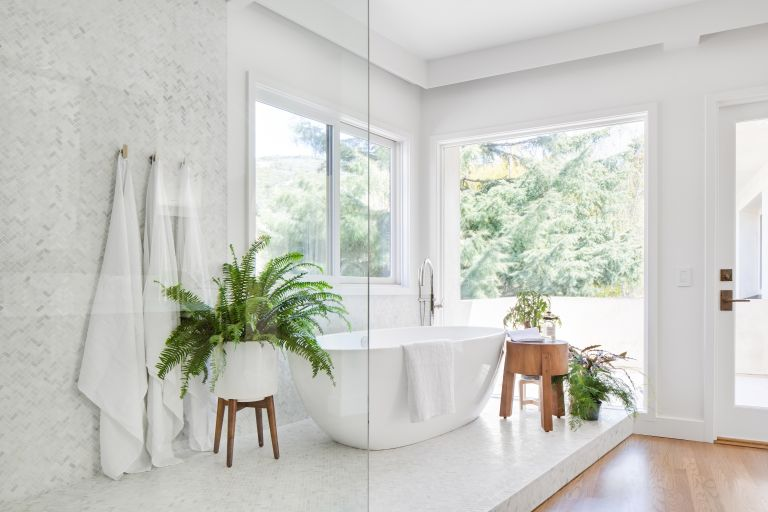 best bathroom cleaner: white bathroom with plenty of natural light