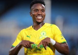 Sundowns begin title defence with tight win over AmaZulu