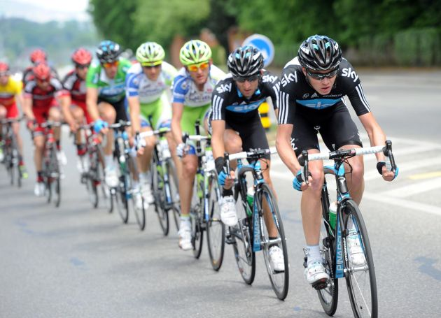 Chris Froome and Sky chase, Tour de Romandie 2011, stage five