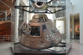 apollo soyuz spacecraft display