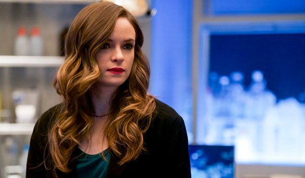 Caitlin Snow Danielle Panabaker The Flash The CW