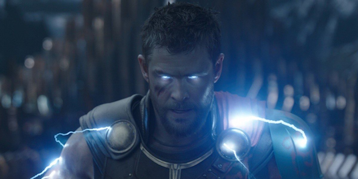 Thor (Chris Hemsworth) unleashes his true power in Thor: Ragnarok (2017)