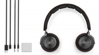 B&O Beoplay H8 headphones