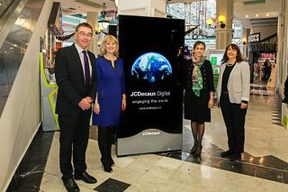 JCDecaux Develops National Digital Retail Advertising Network