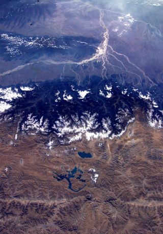 astronaut image showing the Himalayas and the Tibetan Platau