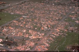 hurricane-andrew-wreckage-0