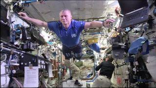 #MannequinChallenge on ISS