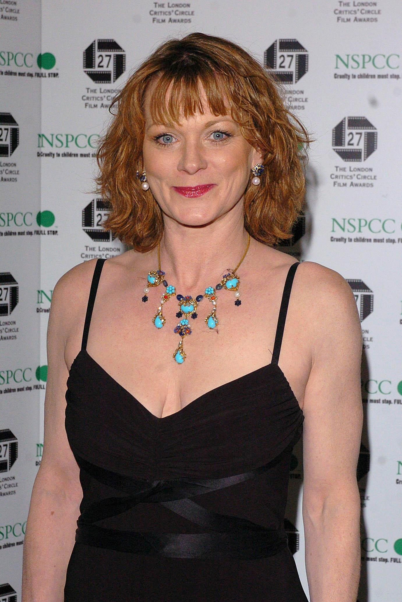 Samantha Bond nude (69 foto and video), Tits, Cleavage, Boobs, swimsuit 2019
