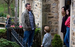 Rhona is gutted to see Pete being friendly with Jack and Sarah in Emmerdale
