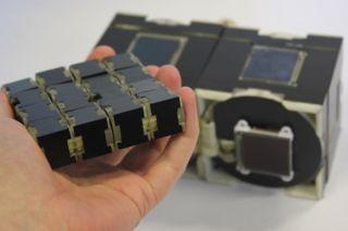 Cubimorph Shape-Shifting Device