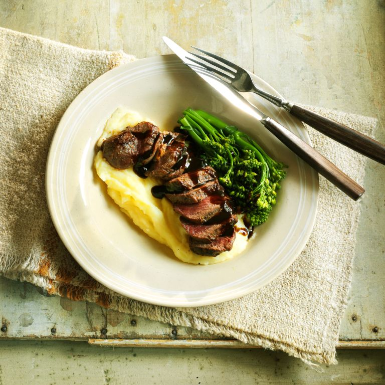 Venison steak with redcurrant sauce