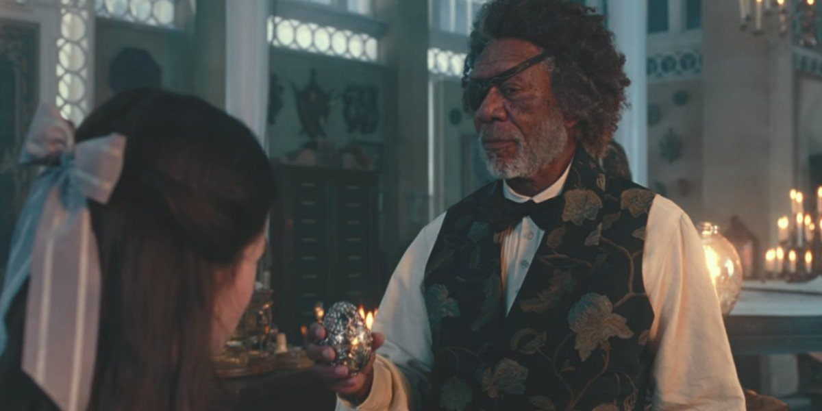 Mackenzie Foy and Morgan Freeman in The Nutcracker And The Four Realms