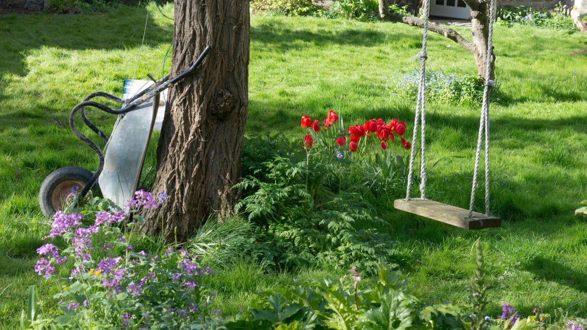 Child friendly garden ideas - cover