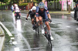 Oscar Riesebeek (Alpecin-Fenix) in the final of stage 15 with eventual winner Victor Campenaerts (Qhubeka Assos)