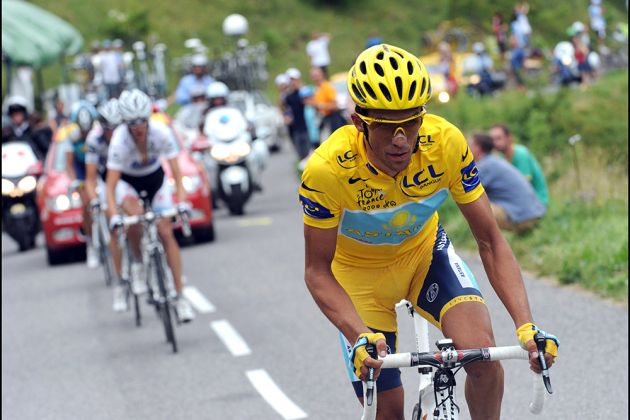 ALBERTO CONTADOR attacks ON STAGE SEVENTEEN OF THE 2009 TOUR DE FRANCE 9d09db4bf