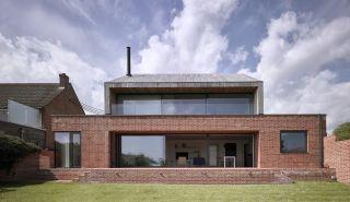 Modern brick bond in self build